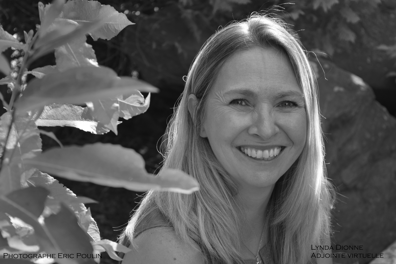 Photo portrait de Lynda Dionne adjointe virtuelle